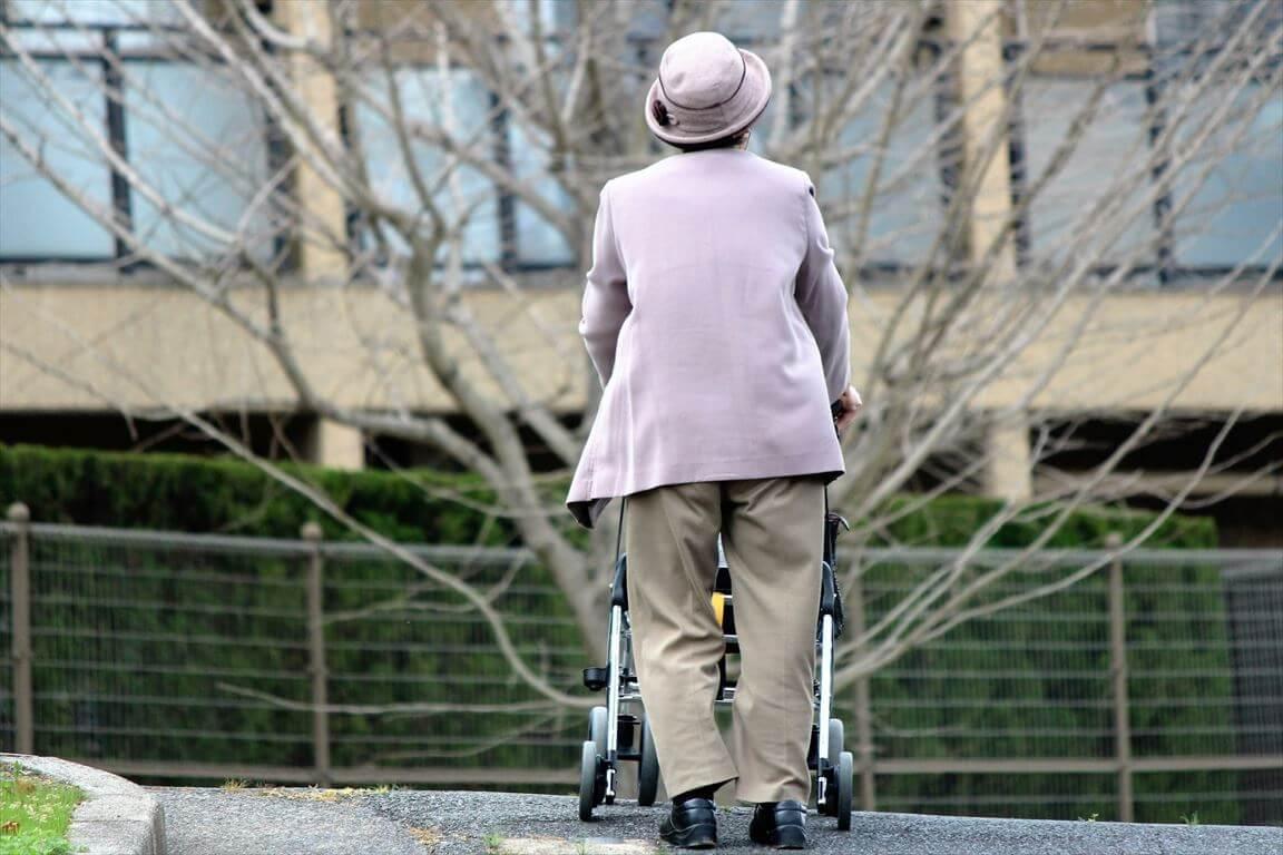 一人暮らし・身寄りがない場合の葬儀はどうすればいいの?